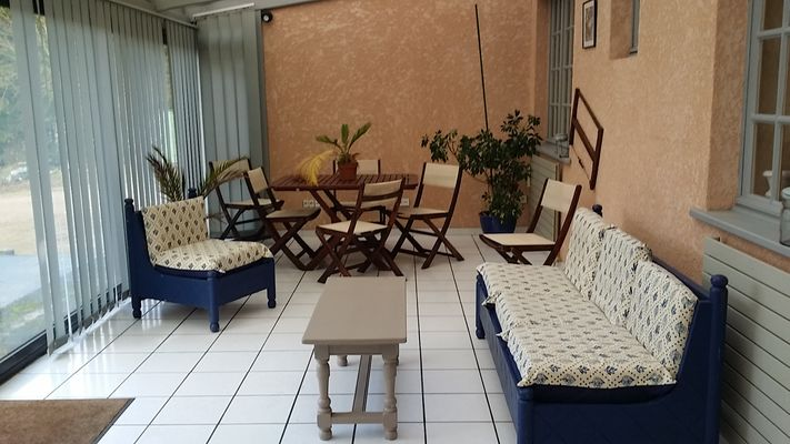 la neuville les dorengt veranda