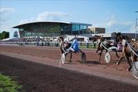 la-capelle_hippodrome_tribune_course