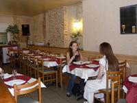 laon_restaurant_la_pierre_a_clous_interieur_salle
