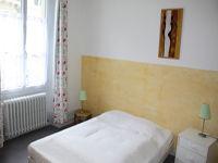 soissons_meublé_jaune_chambre