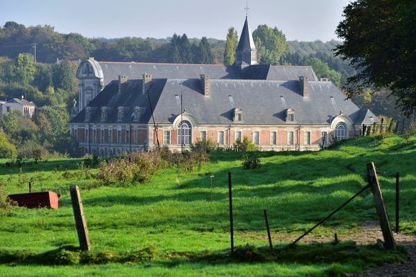 Arrivée à l'abbaye de Saint-Michel