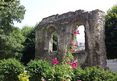 Ruines de l'abbaye Notre Dame < Soissons < Aisne < Picardie