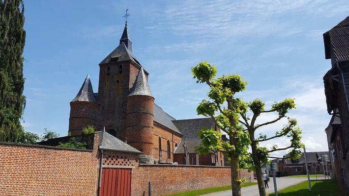 Église fortifiée Saint Hilaire < Autreppes < Thiérache < Aisne < Hauts-de-France