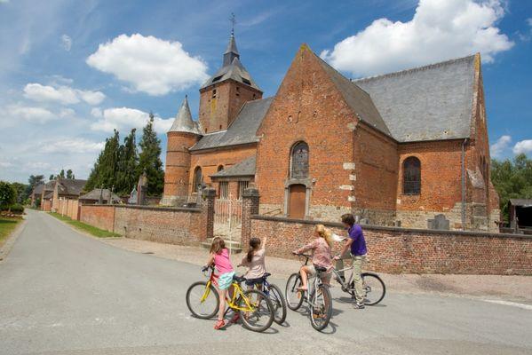 L'église fortifiée d'Englancourt