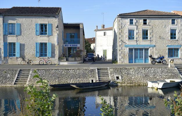 L'Hôtel au Marais à Coulon
