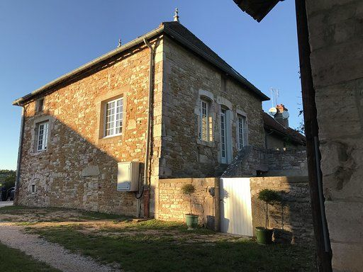 Guest-house-in-Bourgogne-Les-Maisons-de-Chamirey-La-Maison-du-Grand-Four