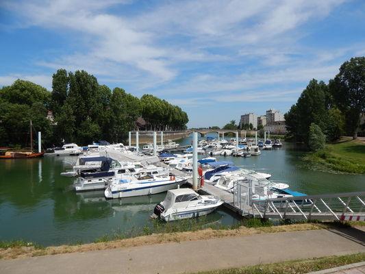 Chalon-sur-Saone-port-de-plaisance-navigation-fluvial-bateau-OT (63)