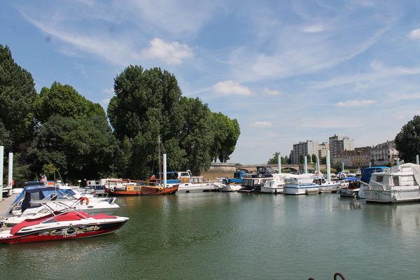 Chalon-sur-Saone-port-de-plaisance-navigation-fluvial-bateau-OT (13)