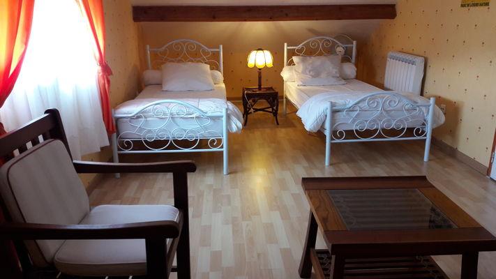 Chambre-2-lits-90-bis