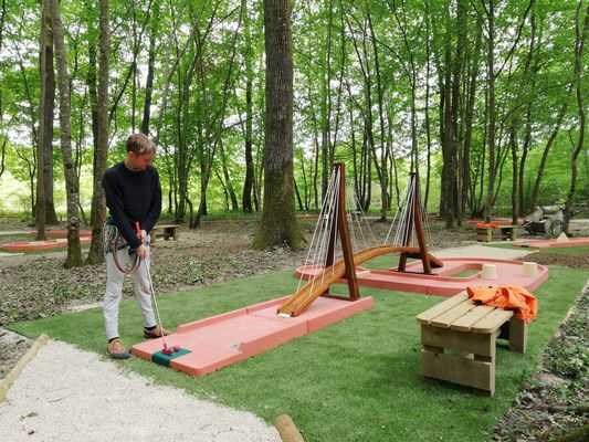 Givry---Mini-Golf---2019--8--
