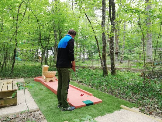 Givry---Mini-Golf---2019--1--
