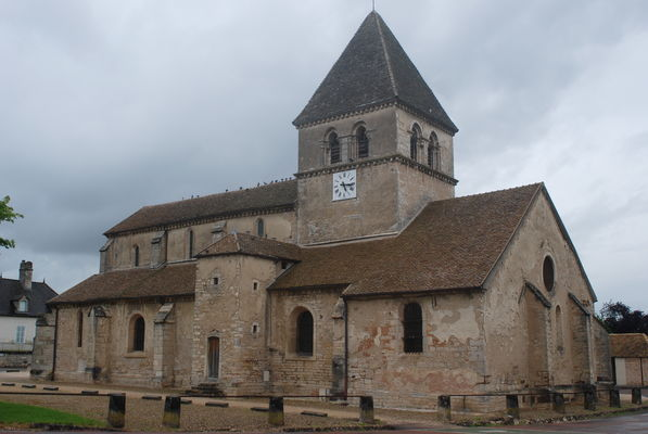 Saint-loup-geanges-eglise-2012-OT