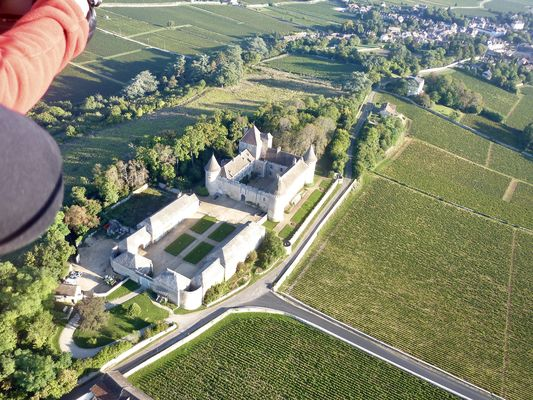 Remigny - Air Escargot - 2017 - Le Chateau de Rully et le vignoble