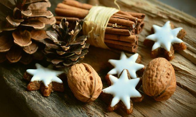 cinnamon-stars-2991174-1920-3