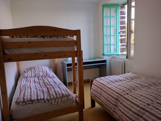 Auberge le Pont du Secret_Paimpont_ chambre 3 couchages