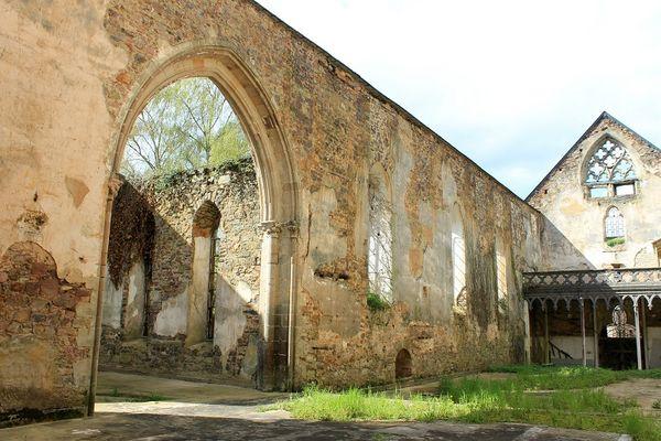 Abbaye-Saint-Jacques---Montfort-sur-Meu