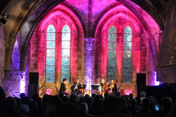 Concert dans la salle au duc de l'abbaye de Beauport