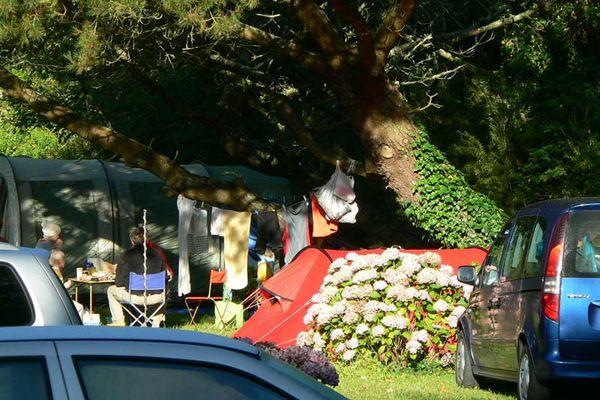 Camping Pied à Terre à Loquéran