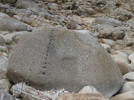 Cléder- rocher fendu- tailleurs de pierre