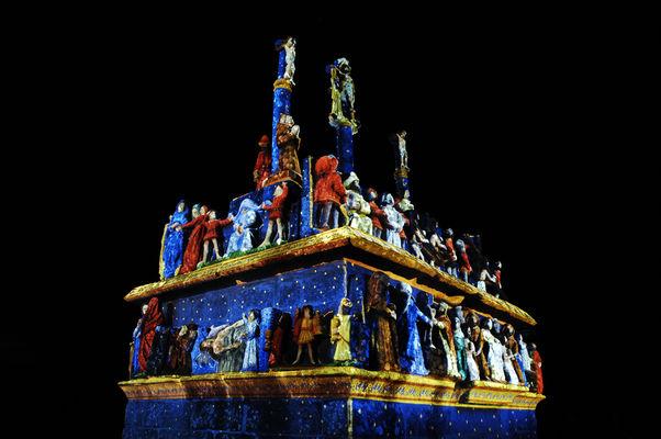 Illumination-du-calavaire-de-Tronoen---Saint-Jean-Trolimon---Pays-Bigouden