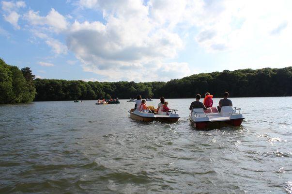 Lac de Trémelin Iffendic Brocéliande Bretagne accrobranche pédaleau ©office de tourisme Lac de Trémelin (1)