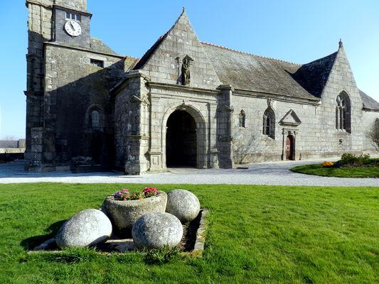 Plougourvest - église