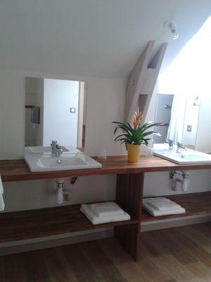 Salle d'eau du Petit Léquinais - Domaine des Hayes_Maxent