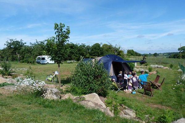 Camping Entre Pierres et Collines