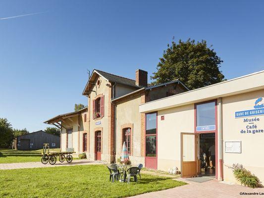 gare-facade-avant-alamoureux-2