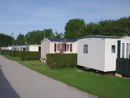 Camping du Prieuré à Bavent - allée