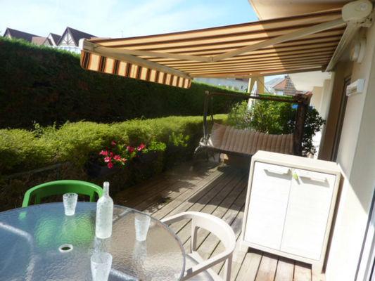 Chez Sojaka-  Table-terrasse