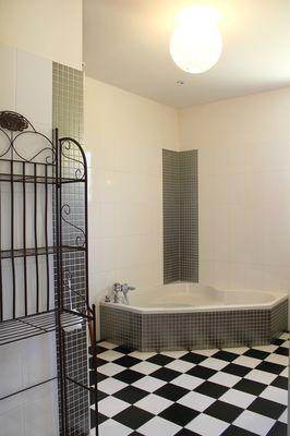Maison_de_verdure_villa_contemporaine_grand_jardin_Sarlat10