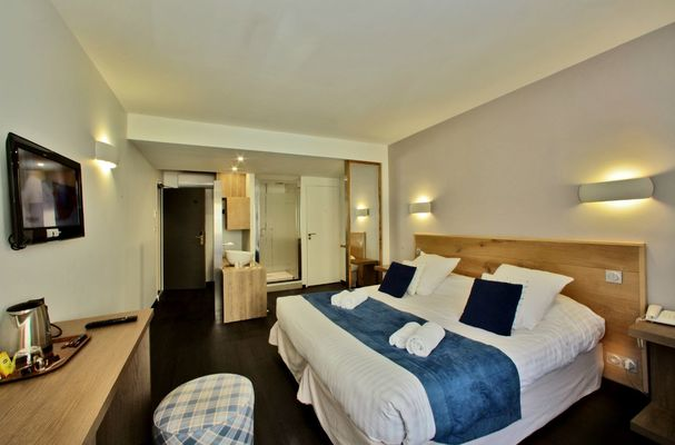 Chambre-sup-Hotel-Le-Compostelle