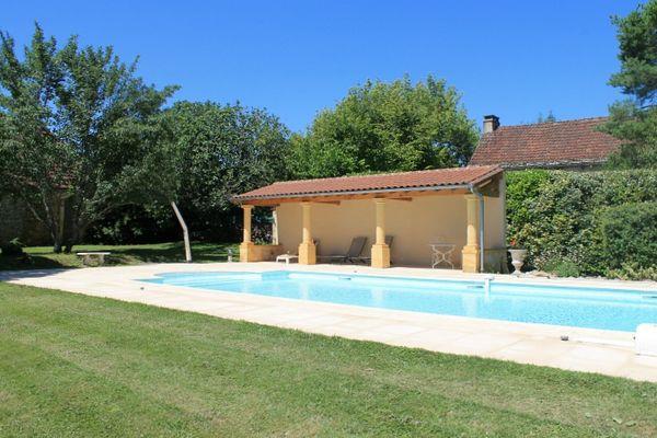 Le Pré Charmant_location_de_charme_avec_piscine_à_partager5
