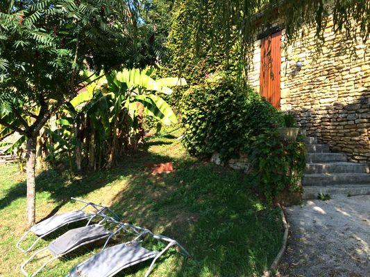 Les_Platanes_location_en_pierre_proche_Sarlat_avec_jardin2
