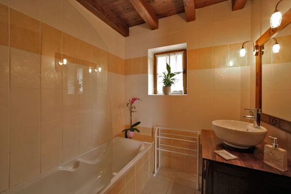 Salle-de-bain-Les-Bousquies-Ouest-3