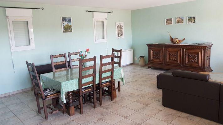 VILLA DES PRES - location vacances piscine couverte - proche de sarlat..