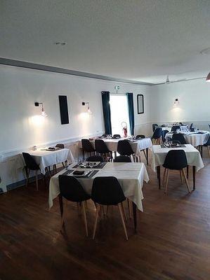 mauleon-hotel-restaurant-la-terrasse-salle1-2