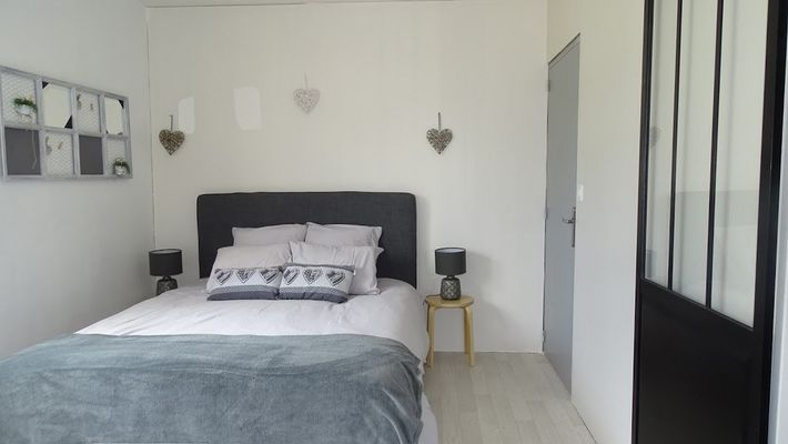 moncoutant-chambre-dhotes-domaine-de-letang-chambre1