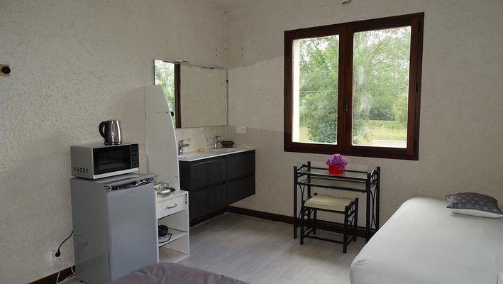 moncoutant-chambre-dhotes-domaine-de-letang-chambre5