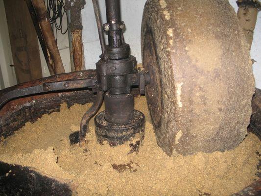 moulin huile de noix Veyssière Neuvic