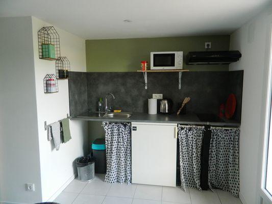nueil-les-aubiers-gite-malimothe-studio1-cuisine