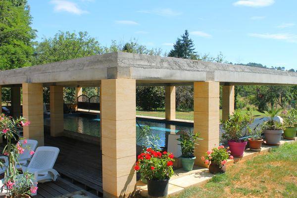 bayaou - location vacances sarlat - piscine couverte et chauffée