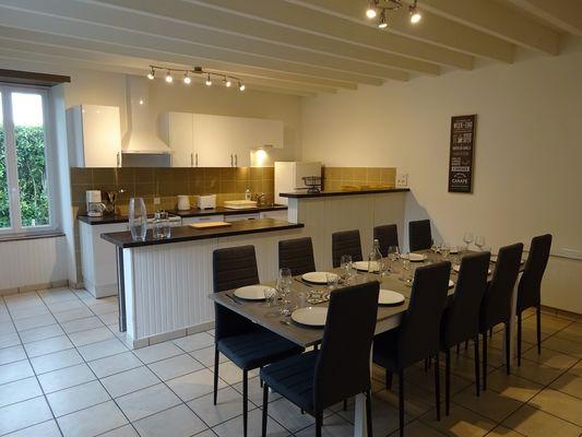 boisme-cottage-de-paul-et-angeline-cuisine-salle-a-manger