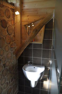 bressuire-chambre-dhote-cabane-niglo-lavabo