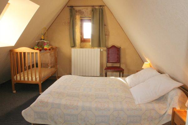 Chambre 2 les Pierres Chaudes