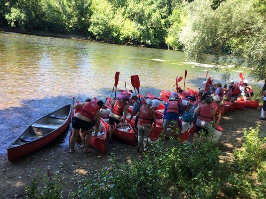 depart-groupe-canoe-detente-dordogne-laroquegageac-perigord-sarlat