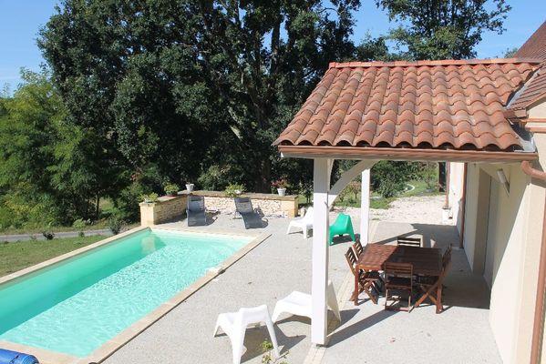 la maison ROSALIE  - sarlat - piscine chauffée. (2)