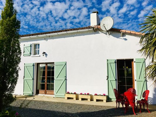 la-chapelle-st-etienne-la-blatiere-gite-the-farmhouse-facade