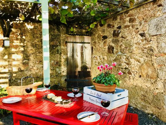 la-chapelle-st-etienne-la-blatiere-gite-the-stables-terrasse